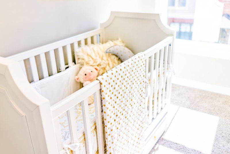 Bezpieczny sen dziecka. Ochraniacze do łóżeczek